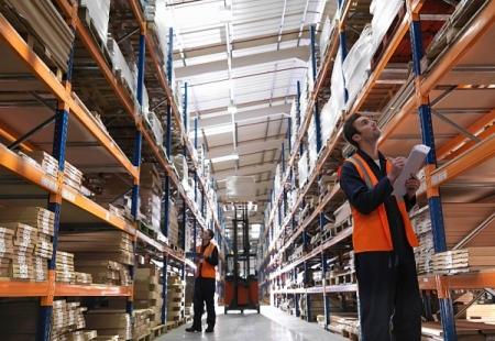 Стелажное хранение товаров и грузов